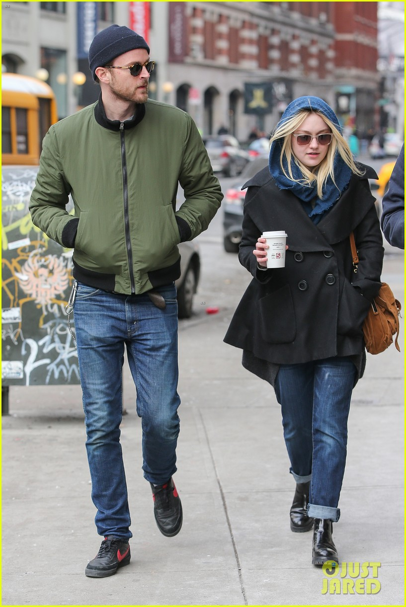 dakota fanning heading to nevada soon for new film 17