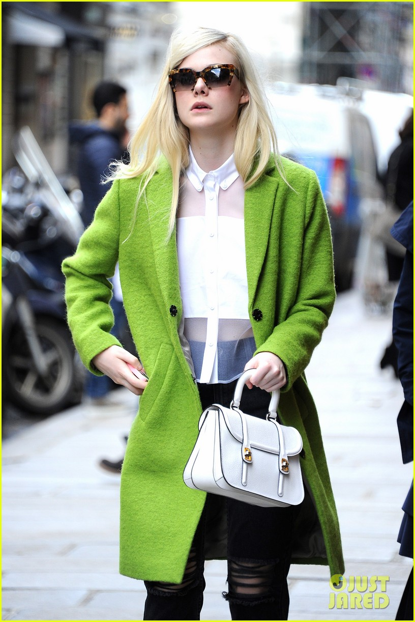dakota elle fanning are chic sisters on separate continents 14