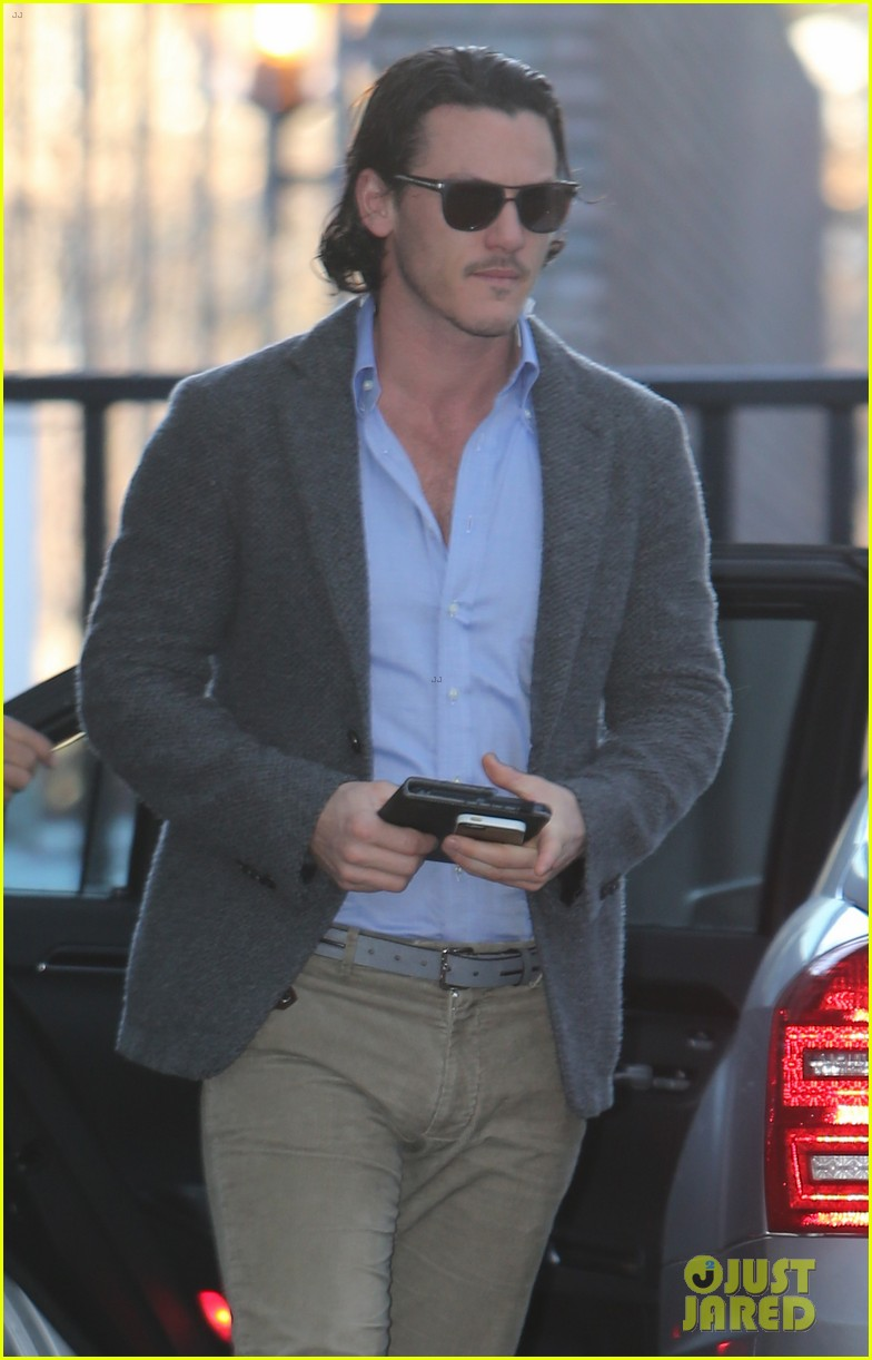 michael fassbender luke evans let us into their conversation 073080105
