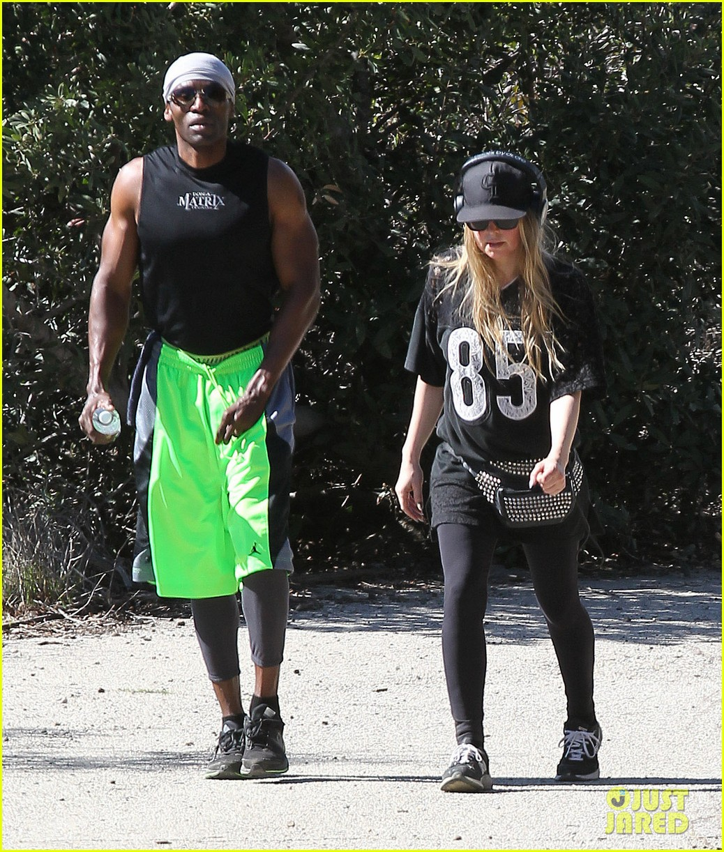 fergie rocks mademoiselle jersey for sunday workout 06