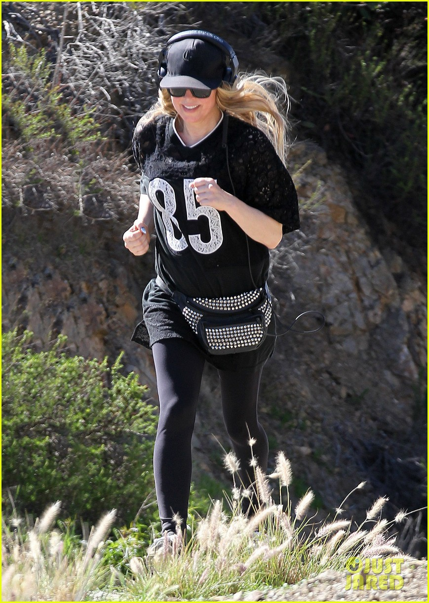 fergie rocks mademoiselle jersey for sunday workout 073069245