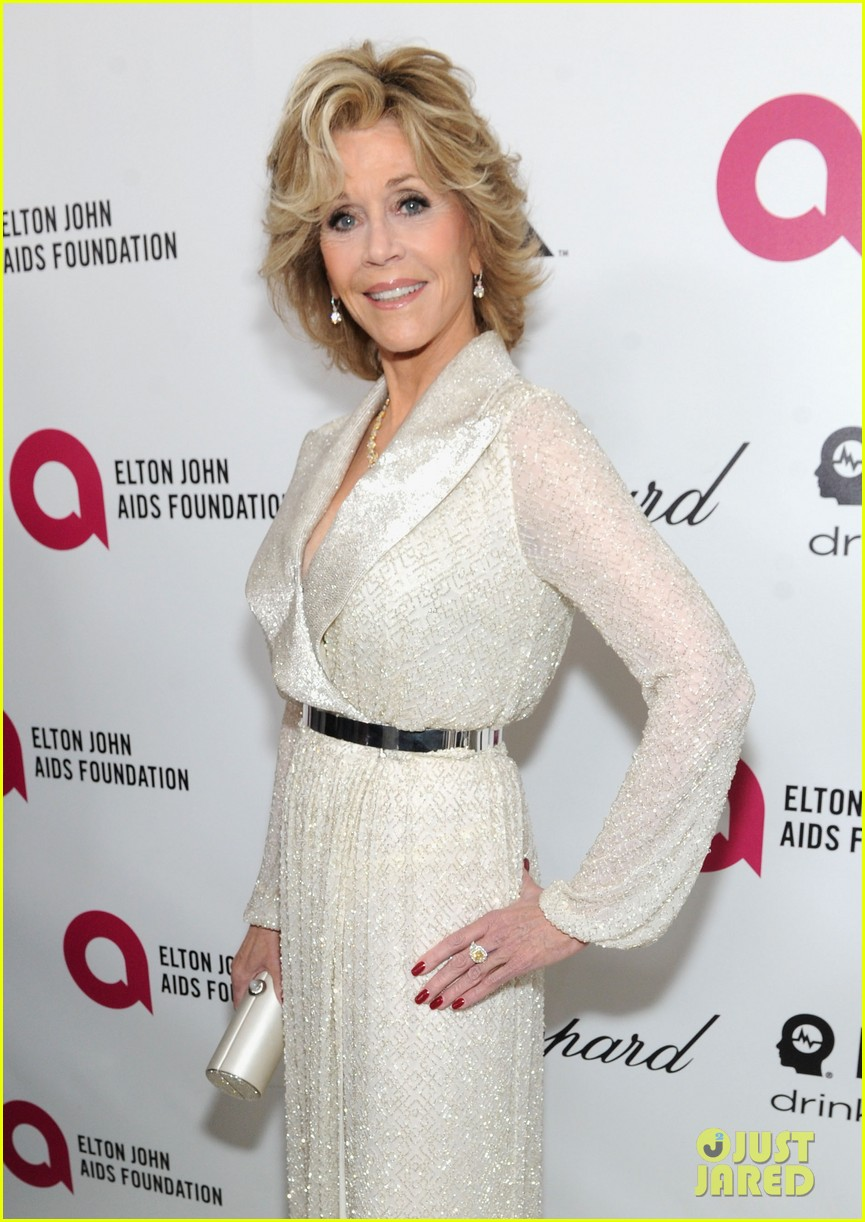 jane fonda attends elton john oscar 2014 party after writing blog about mortality 02