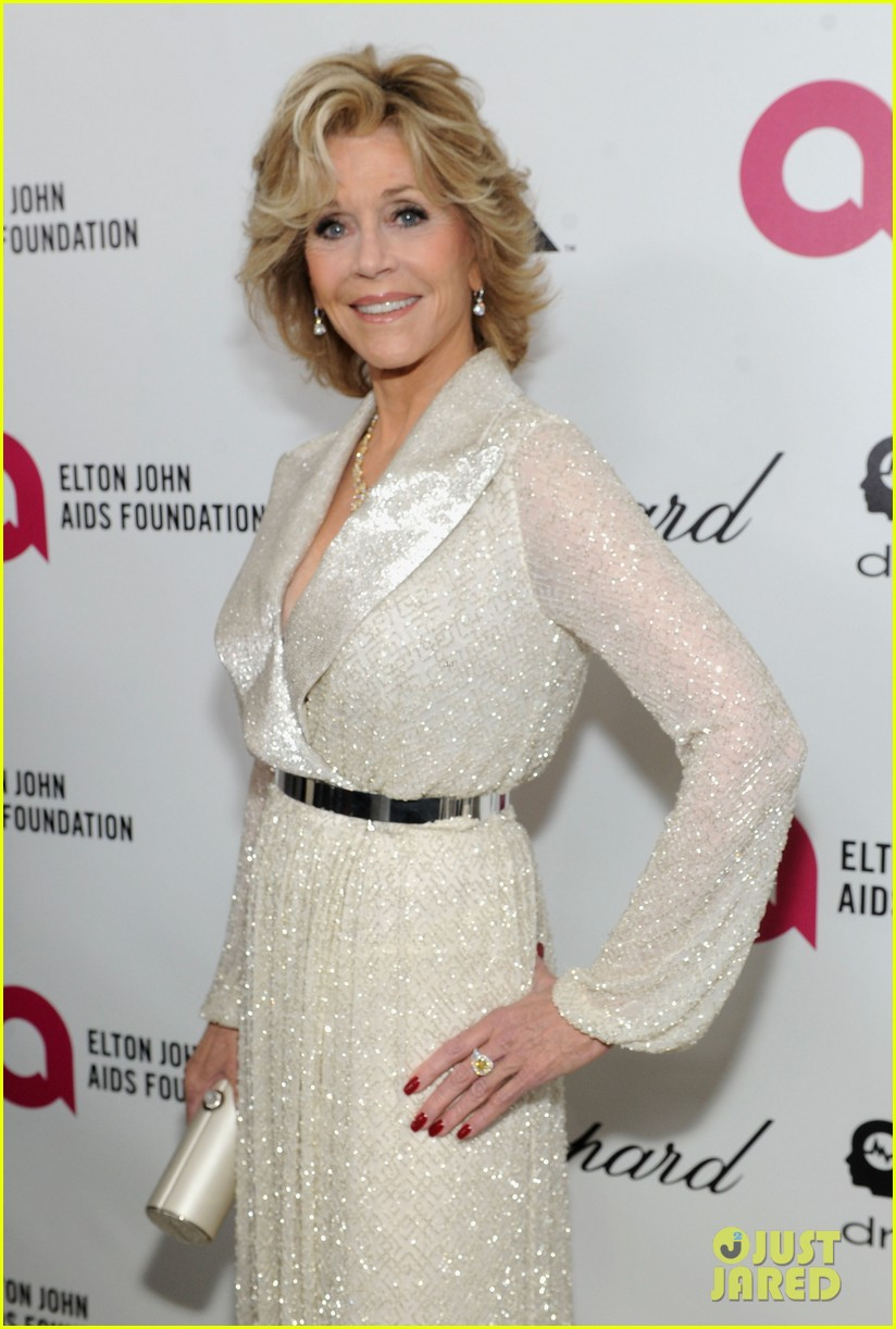 jane fonda attends elton john oscar 2014 party after writing blog about mortality 05
