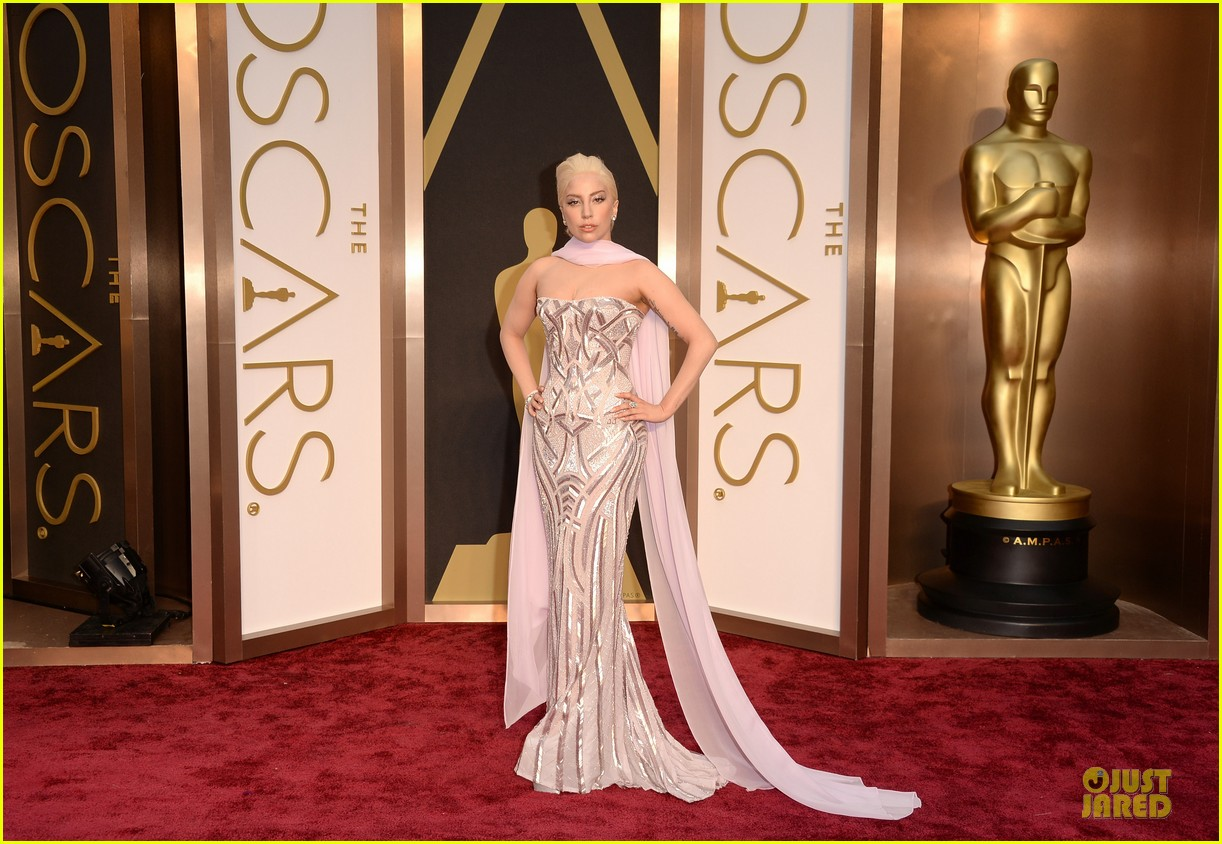 lady gaga metallic goddess on the oscars 2014 red carpet 033063938