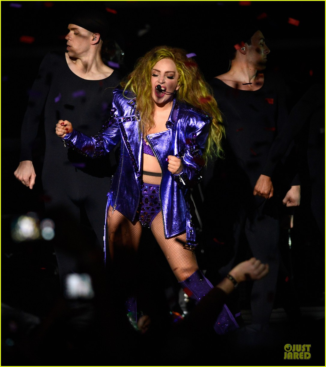 lady gaga rock flashy outfits for roseland ballroom 013081195