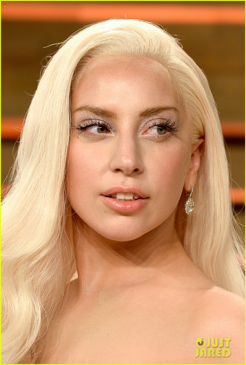 lady gaga switches dress for vanity fair oscars party 2014 04