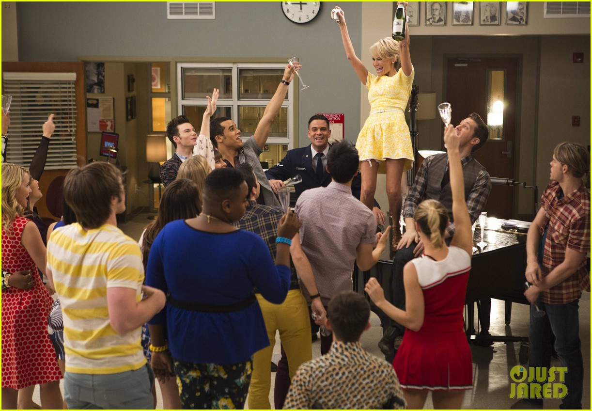 glee 100th episode stills 09