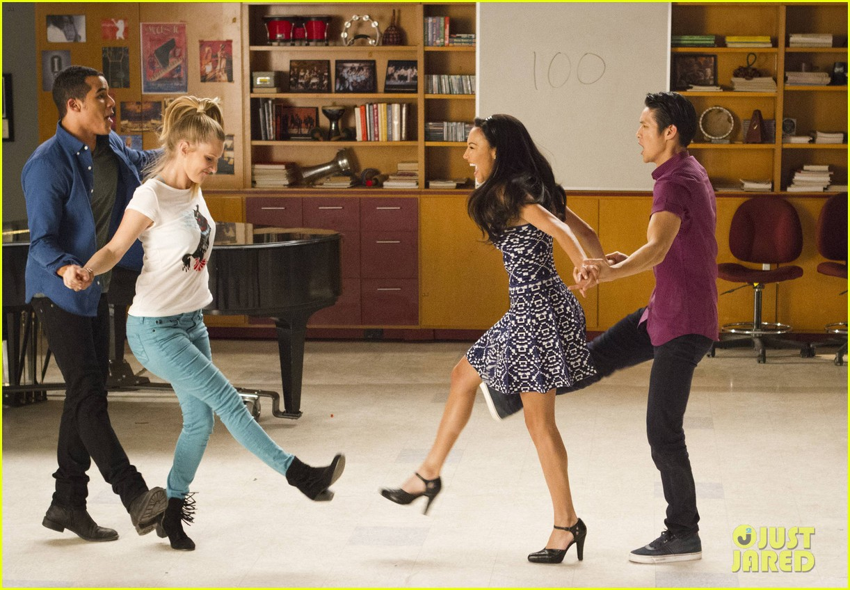 glee 100th episode stills 203073316