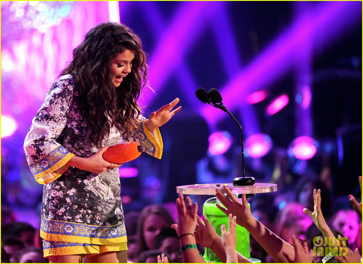 selena gomez kids choice awards 2014 043081299
