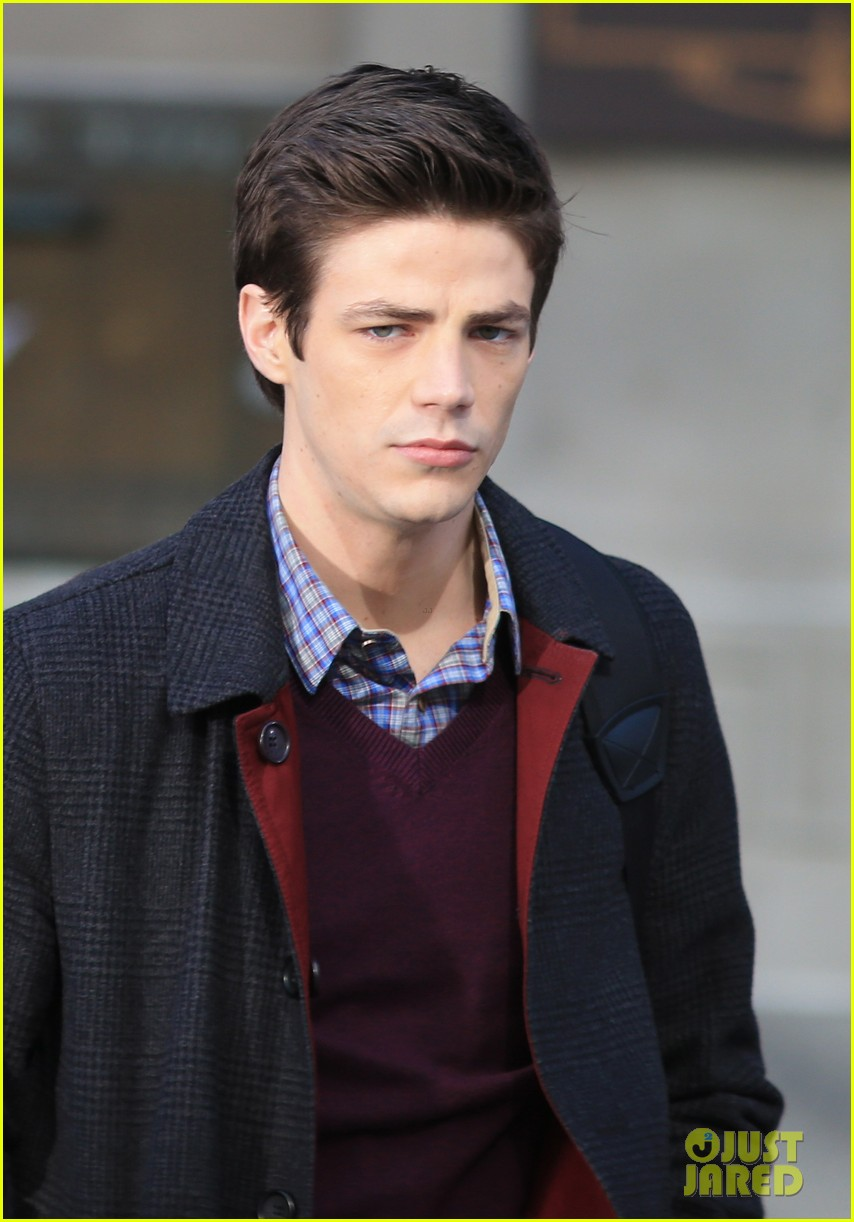 grant gustin flashes into action 14
