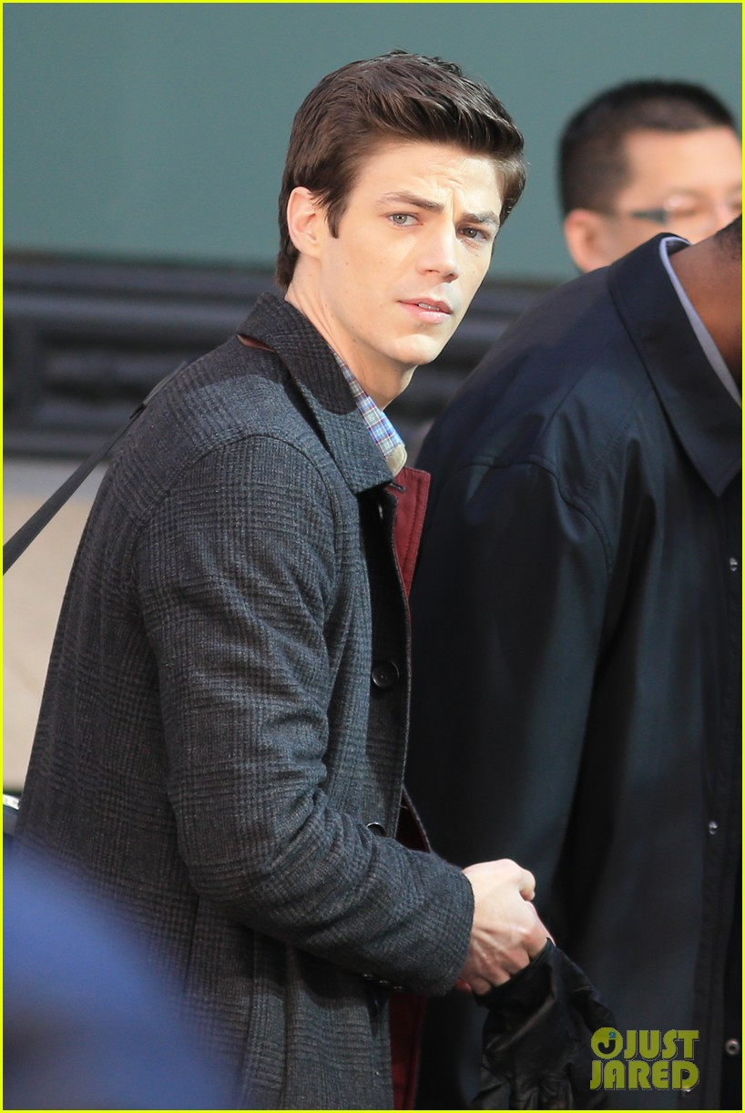 grant gustin flashes into action 22