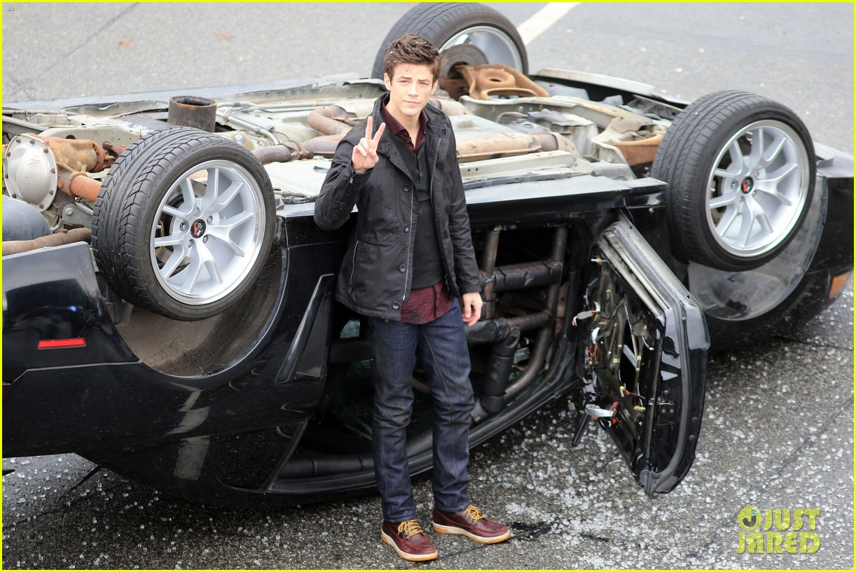 grant gustin plans on getting the flash tattoo 01