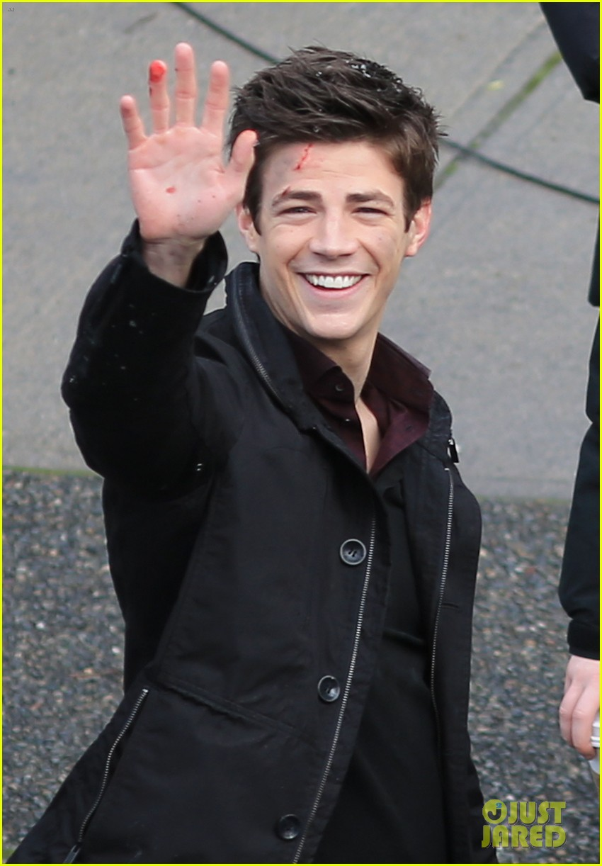 grant gustin plans on getting the flash tattoo 02