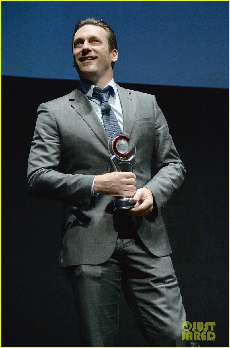 jon hamm excellence in acting award cinemacon 03