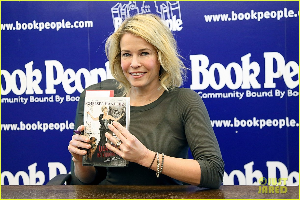 Chelsea Handler Signs Books After Talk Show Ending News: Photo ...