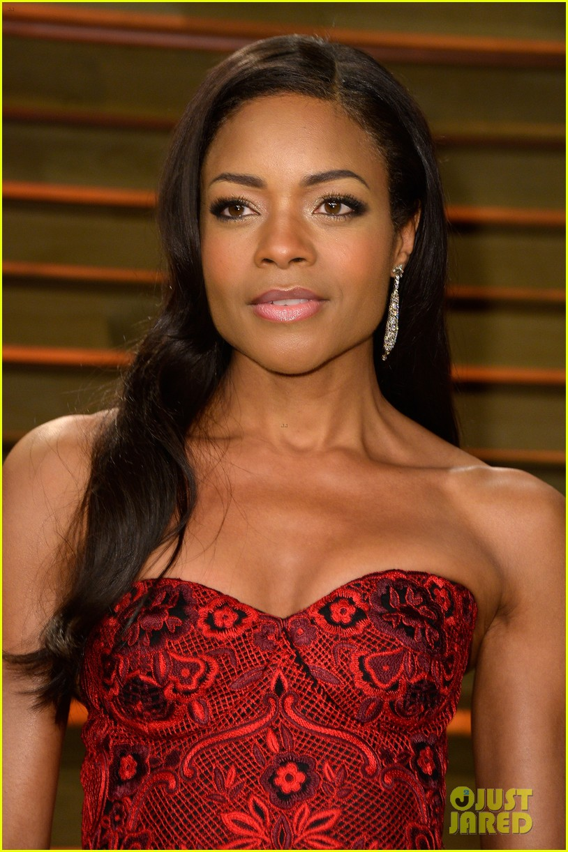 naomie harris honors mandela at vanity fair oscars party 2014 04