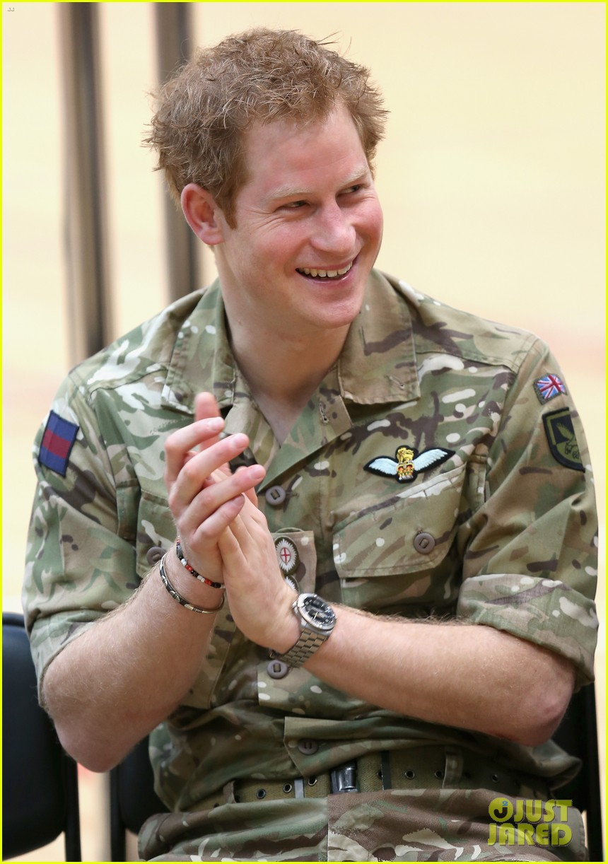 prince harry plays volleyball on the floor with injured soldiers 023067457