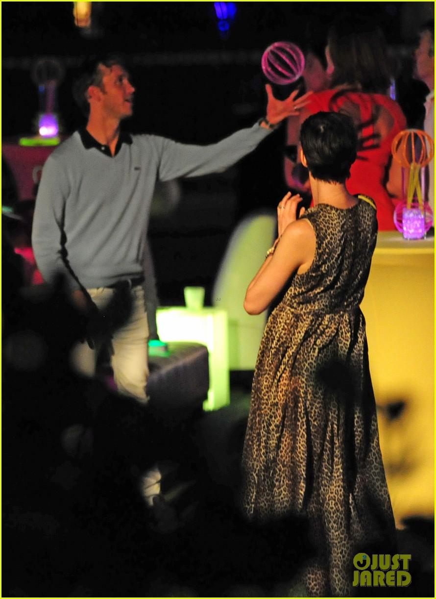 anne hathaway adam shulman deadmau5 concert 09