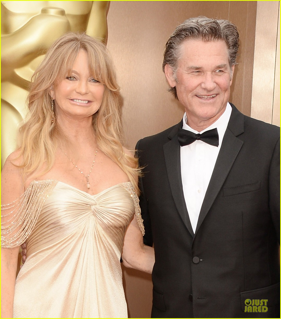presenter goldie hawn golden goddess on oscars 2014 red carpet with kurt russell 043064062