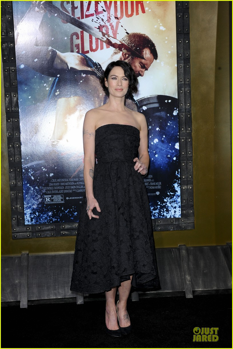 lena headey shows tattoos at 300 premiere with eva green 01