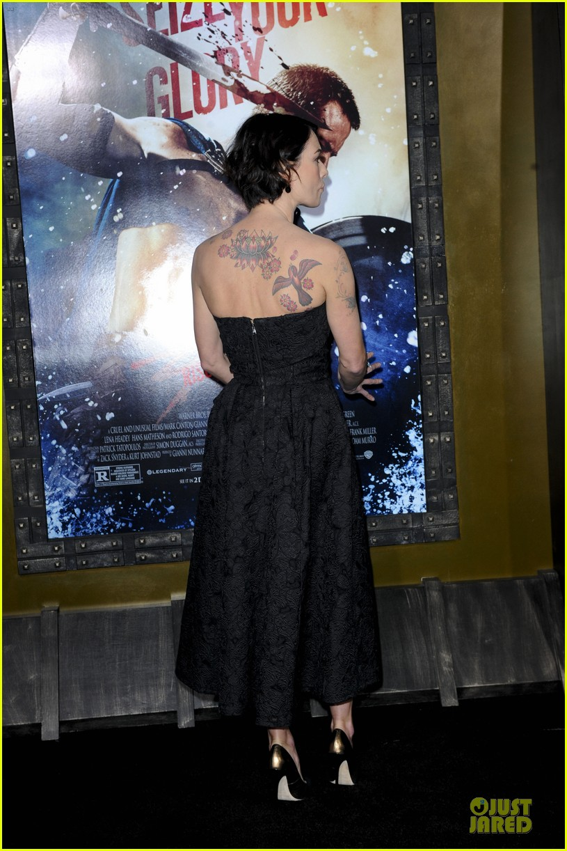 lena headey shows tattoos at 300 premiere with eva green 143066288