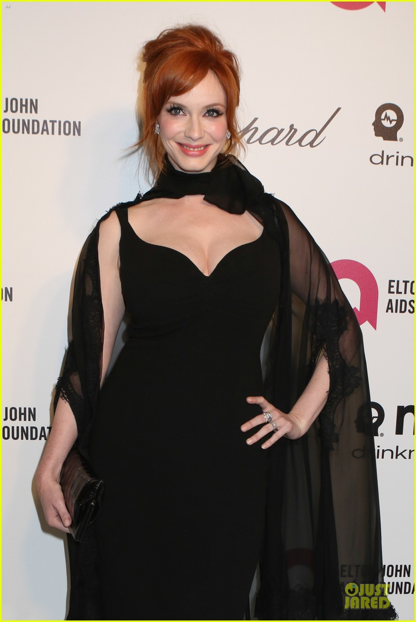 christina hendricks paz vaga show off their assets at elton john oscars party 2014 023065021