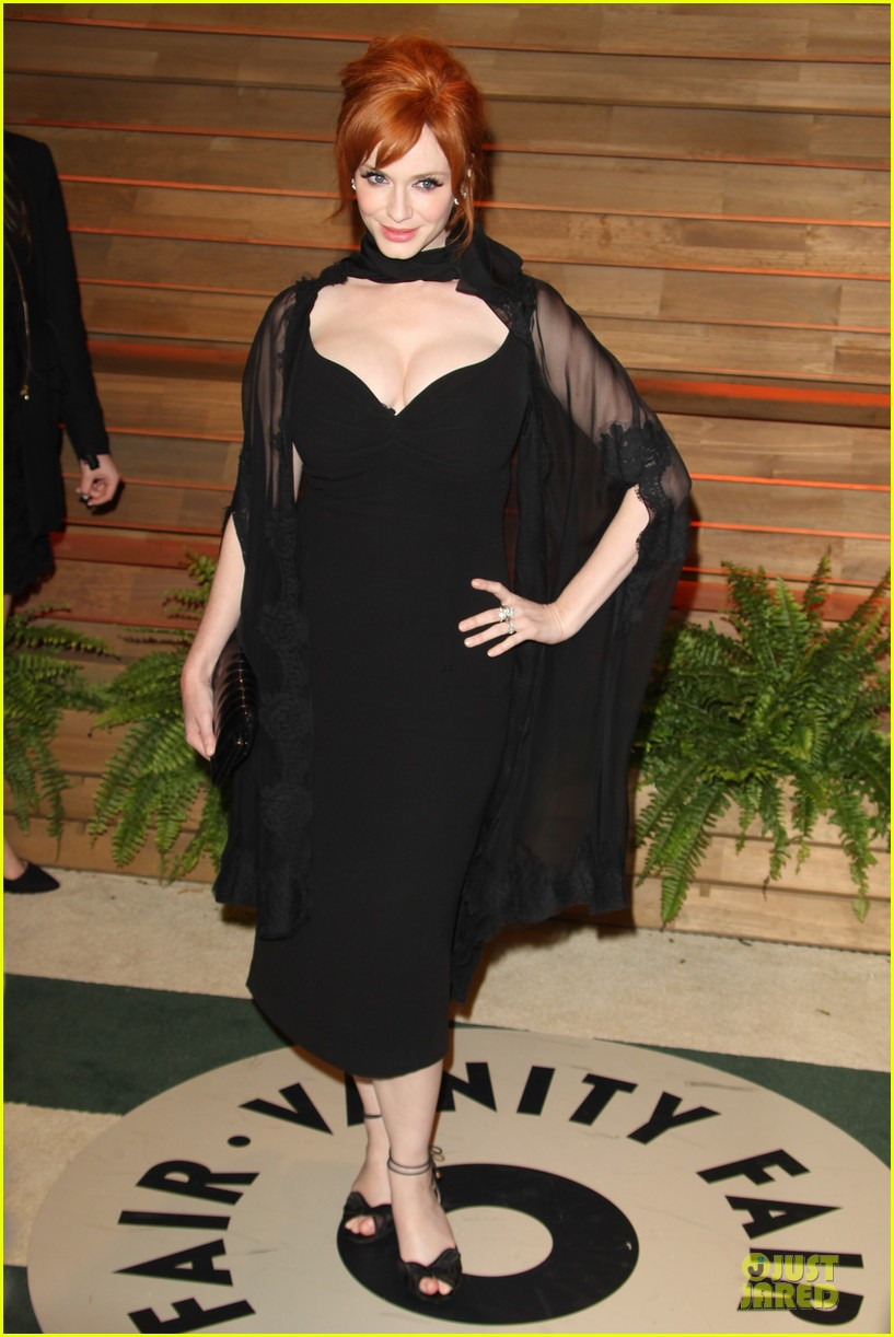 christina hendricks paz vaga show off their assets at elton john oscars party 2014 12