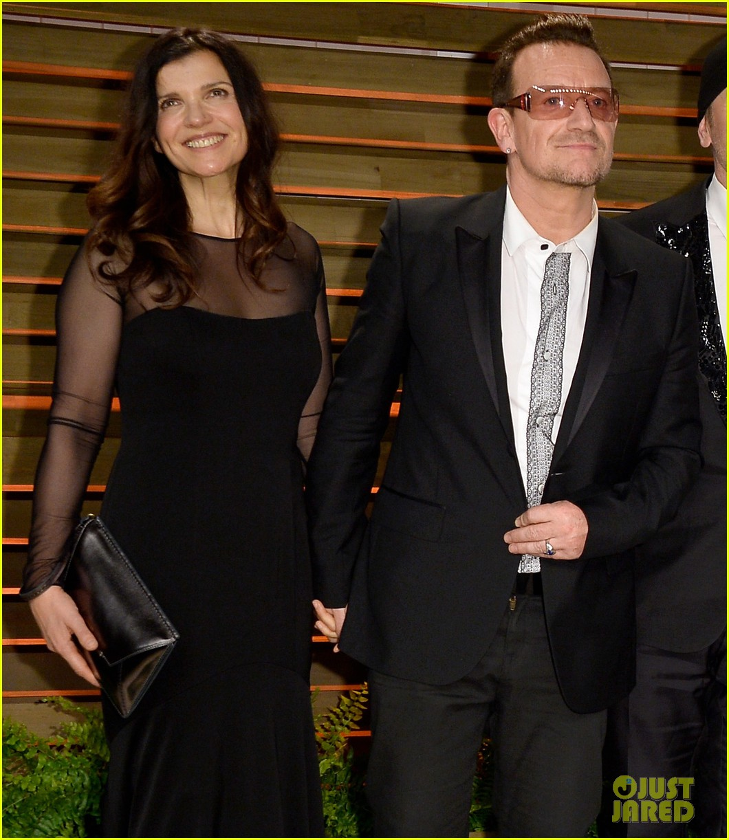 eve hewson bono attend vanity fair oscar party after performing 10
