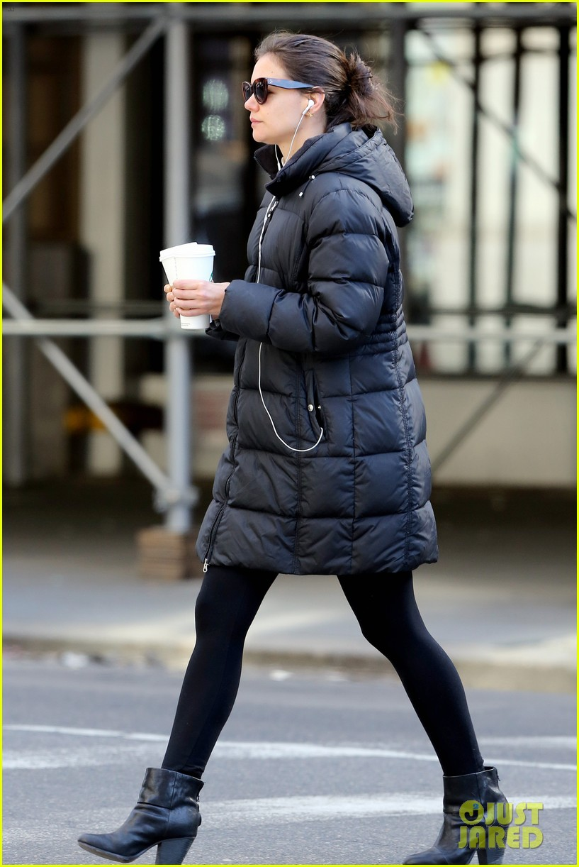 katie holmes new york has been very good to suri me 03