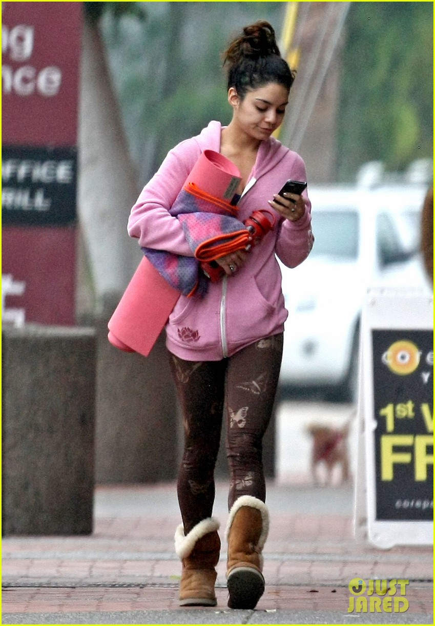 vanessa hudgens aly michalka birthday 083077779