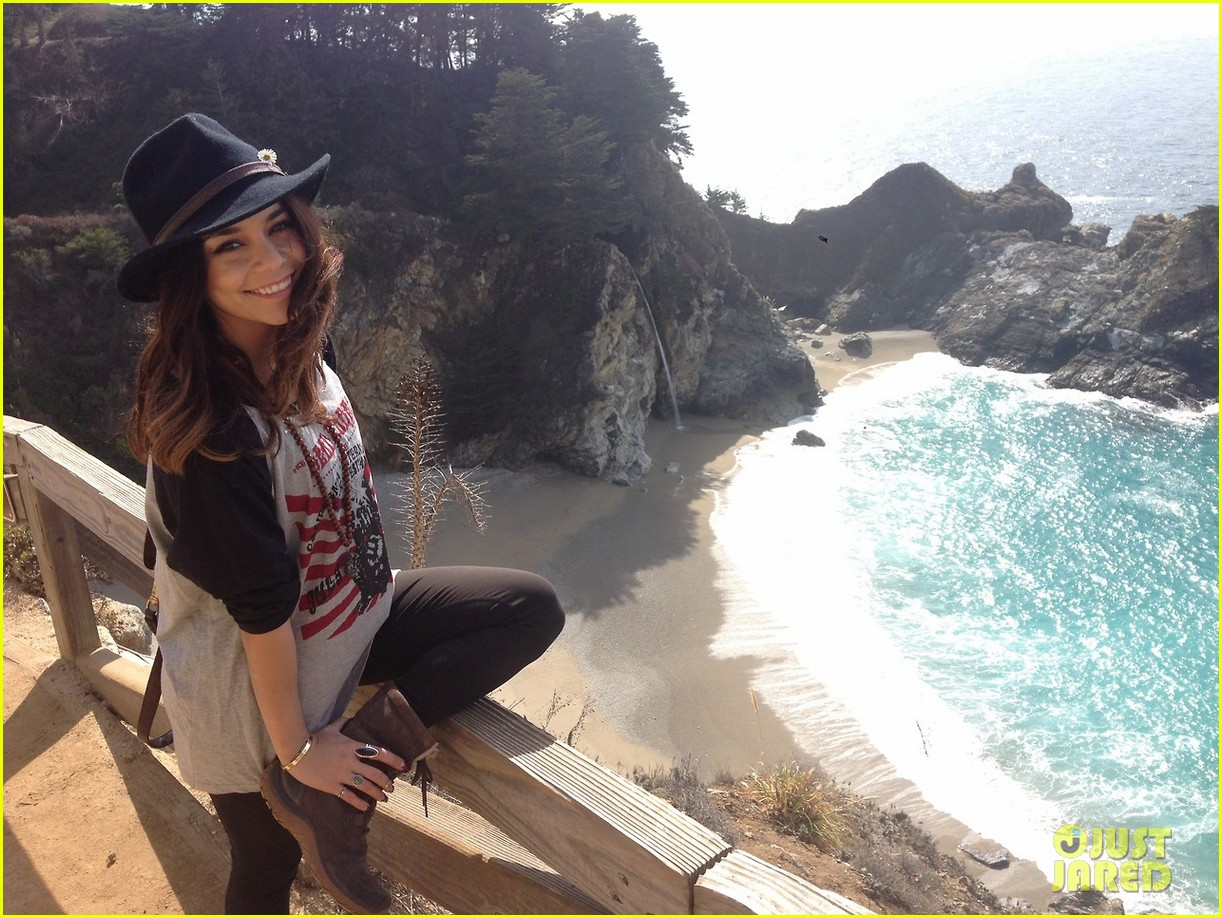 vanessa hudgens loves hugging trees see the cute pic 023068576