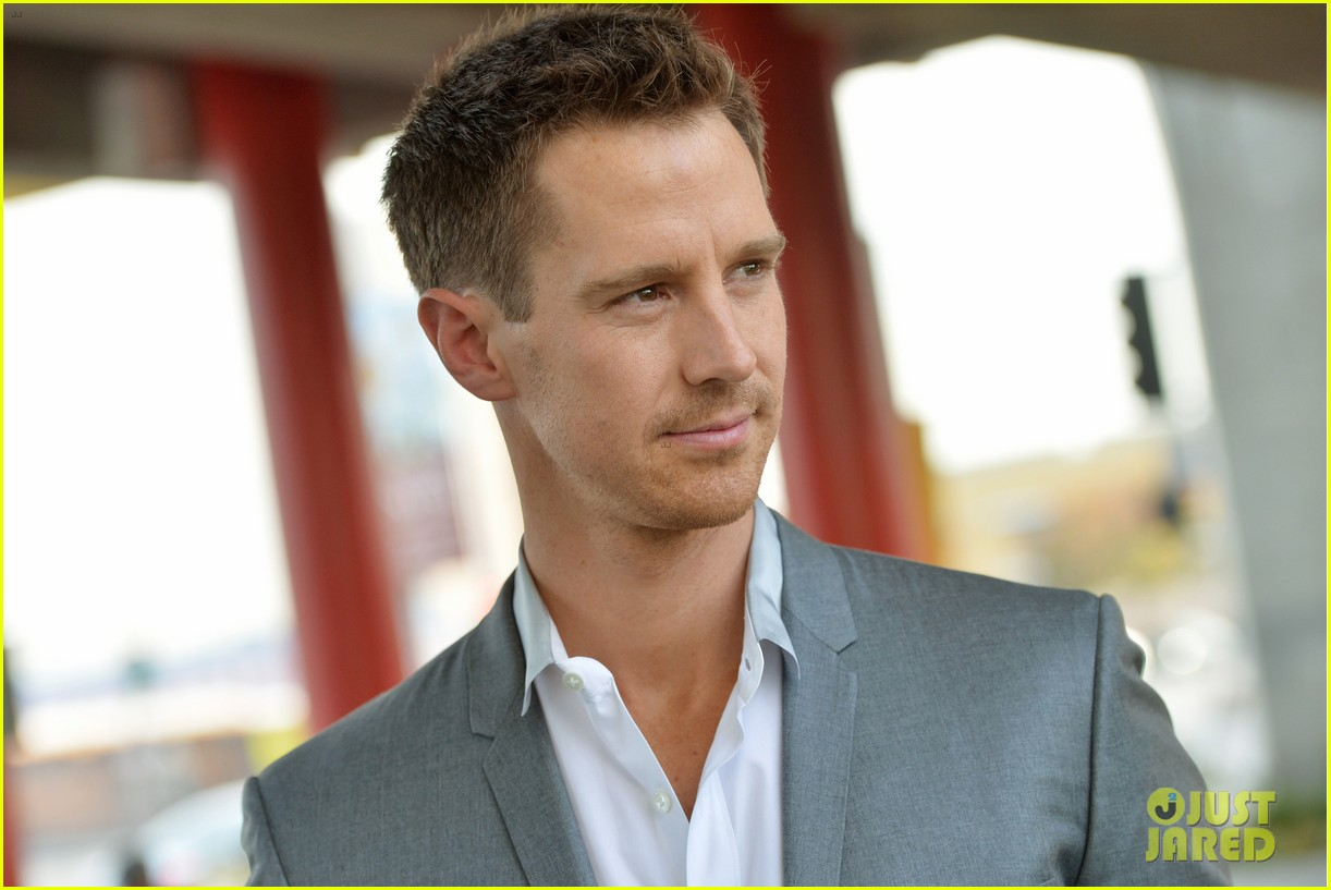 jason dohring veronica mars interview just jared 01
