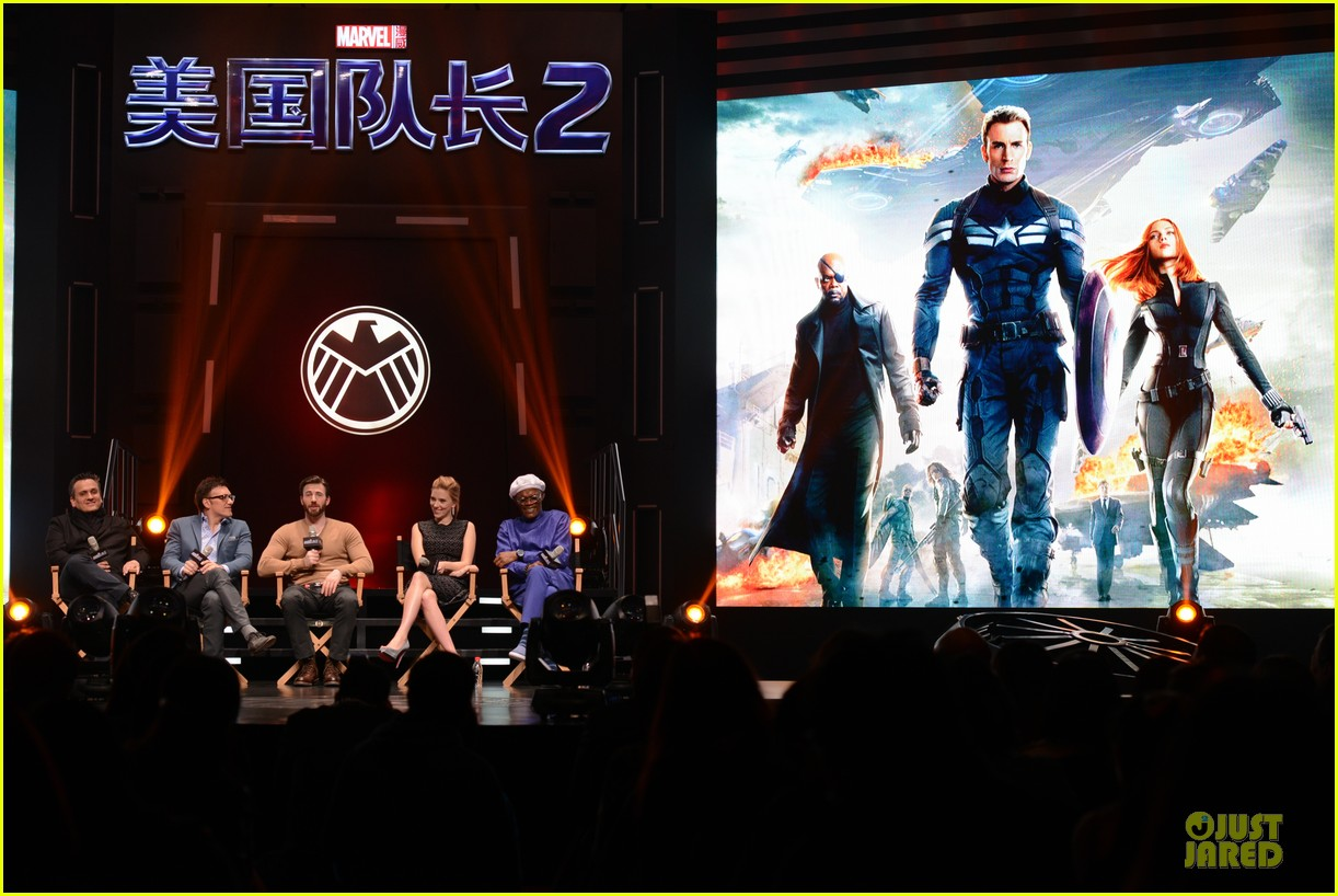 scarlett johansson chris evans bring captain america to china 083077978