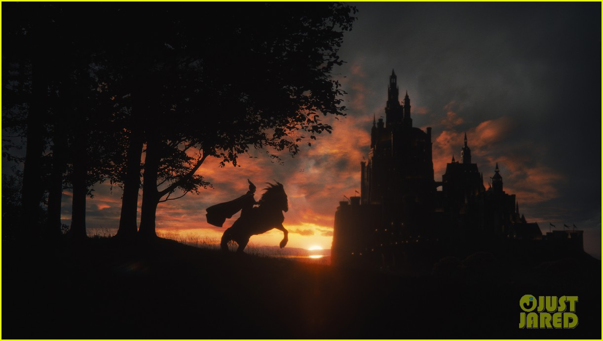 angelina jolie new maleficent trailer stills 073073355