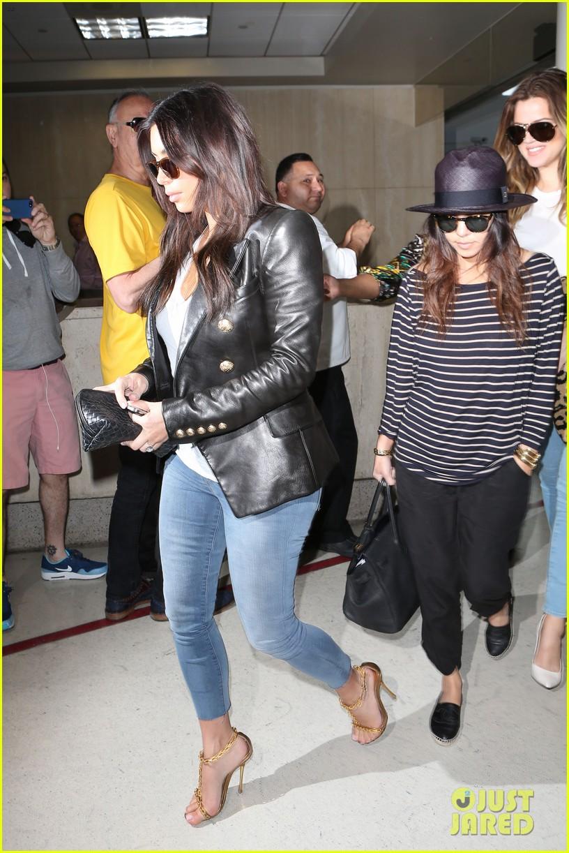 kim kourtney khloe kardashian back in los angeles after miami trip 03