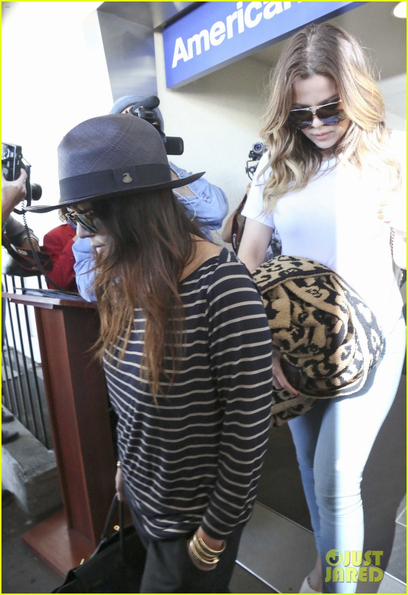 kim kourtney khloe kardashian back in los angeles after miami trip 303071393