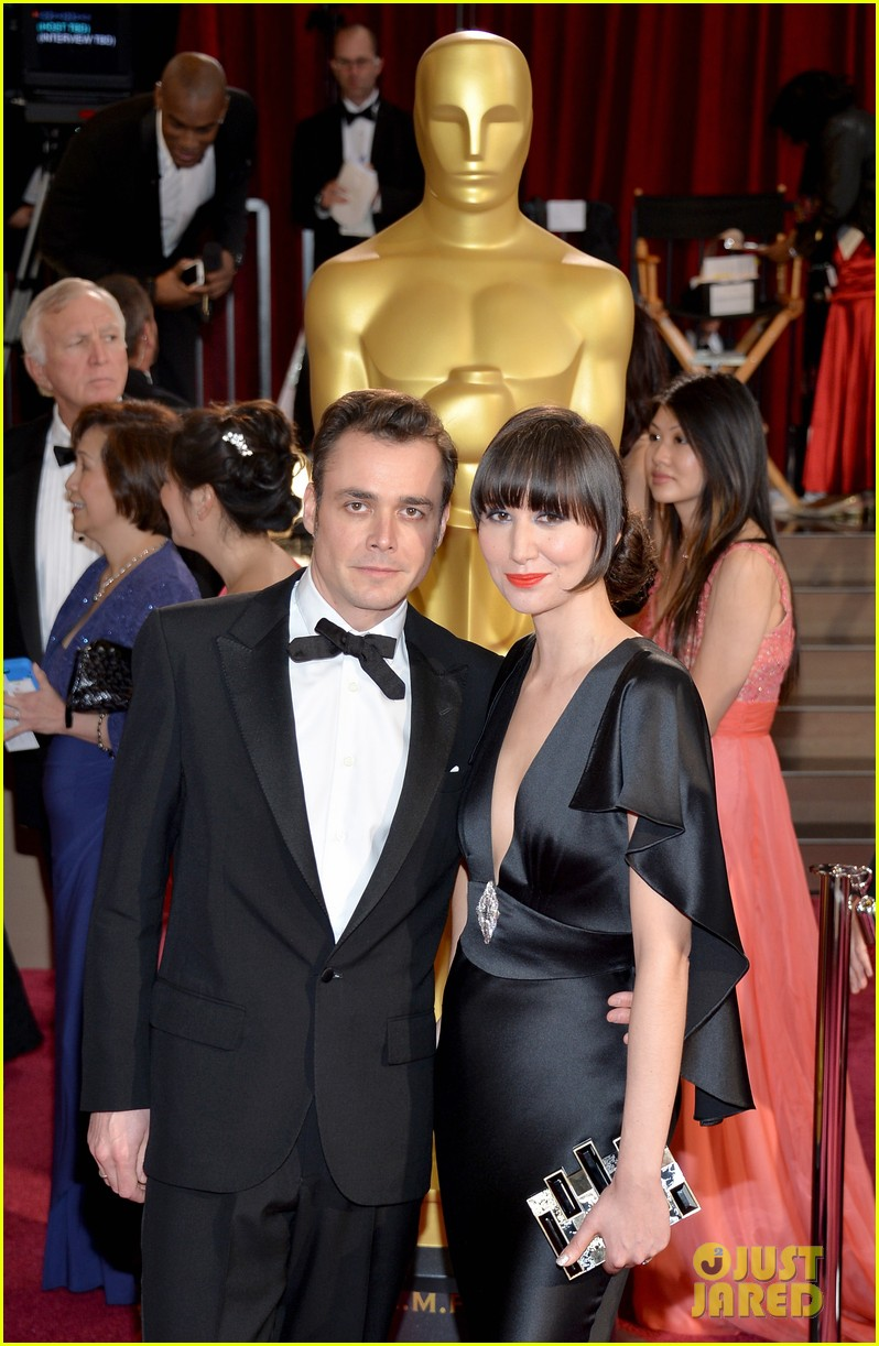karen o performs the moon song oscars 2014 watch now 033064051