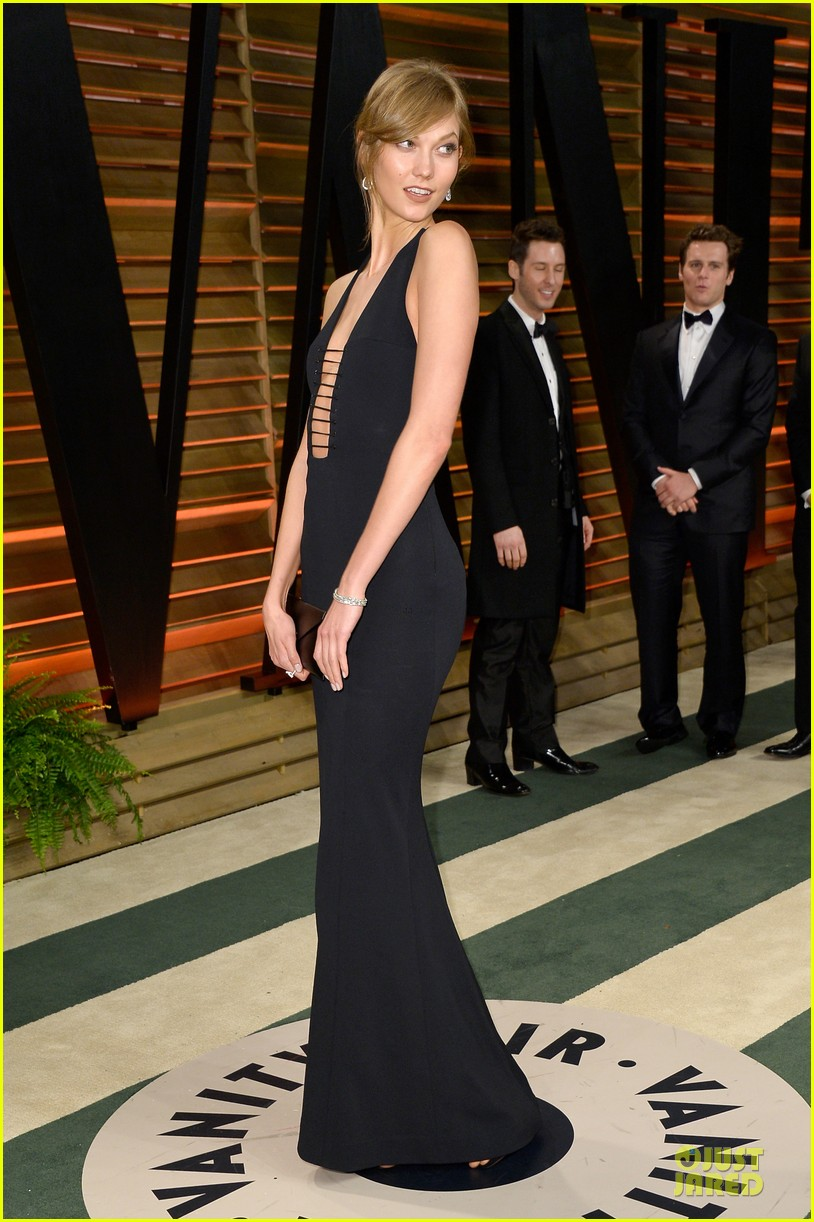 karlie kloss irina shayk vanity fair oscars party 2014 07