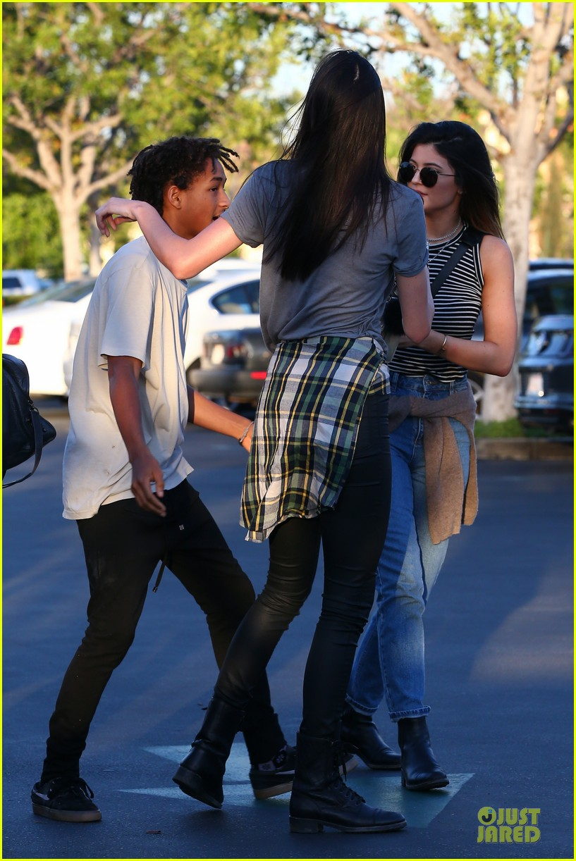 kendall kylie jenner meet up with super excited jaden smith 30