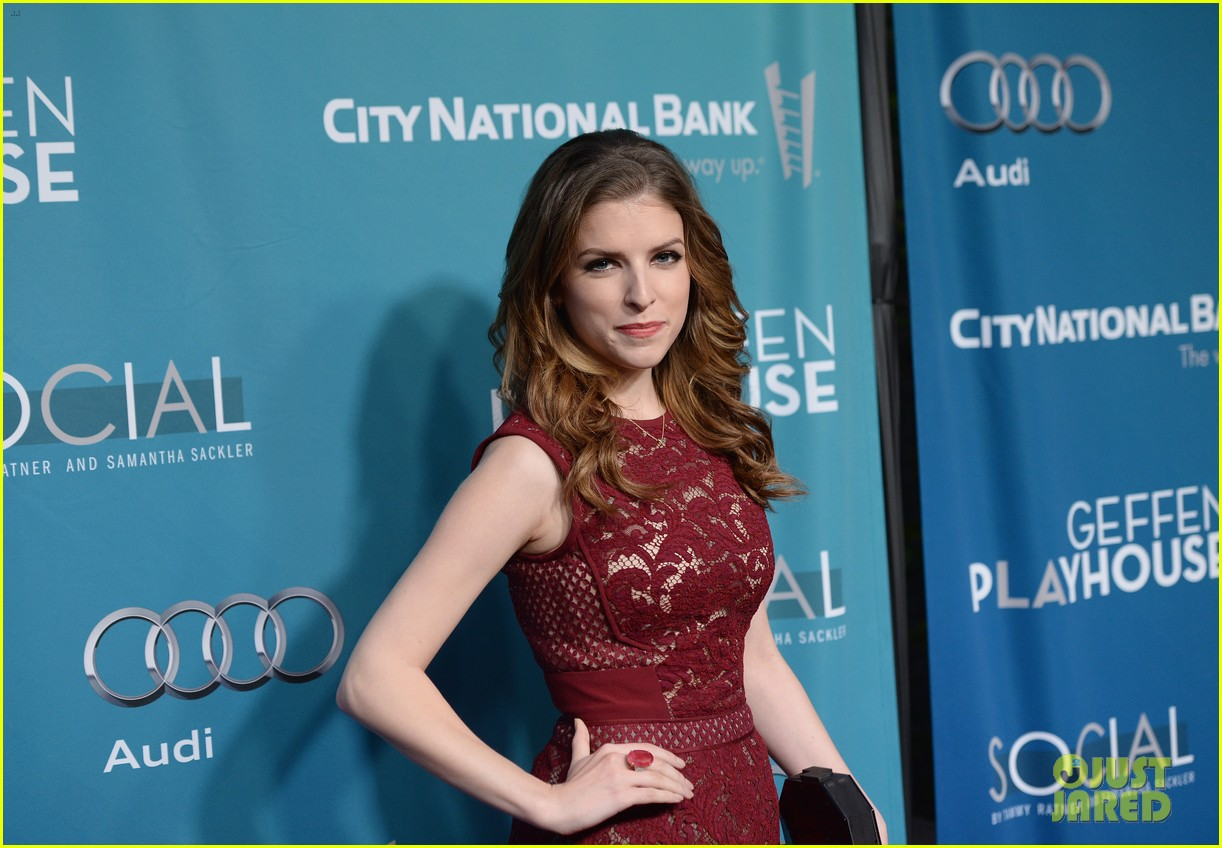 anna kendrick 2 broke girls geffen playhouse gala 113076949