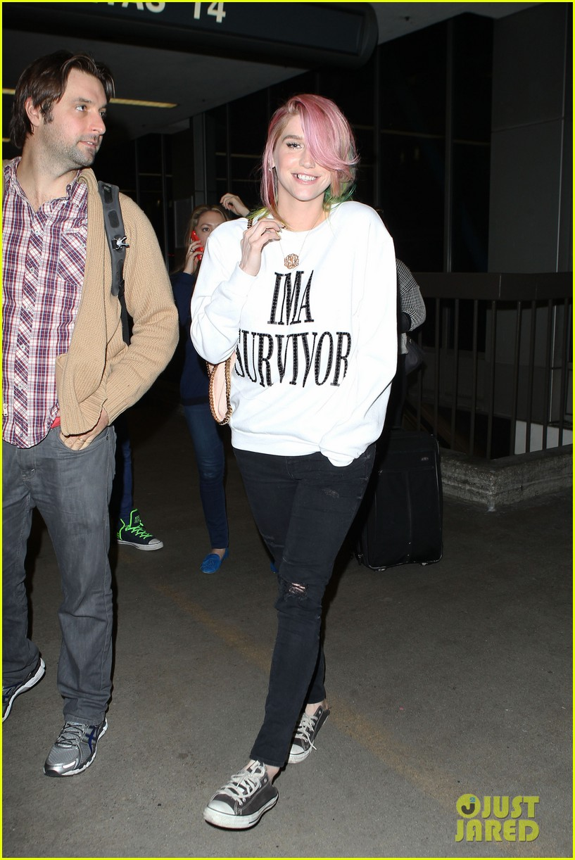kesha steps out with rainbow hair rehab 03