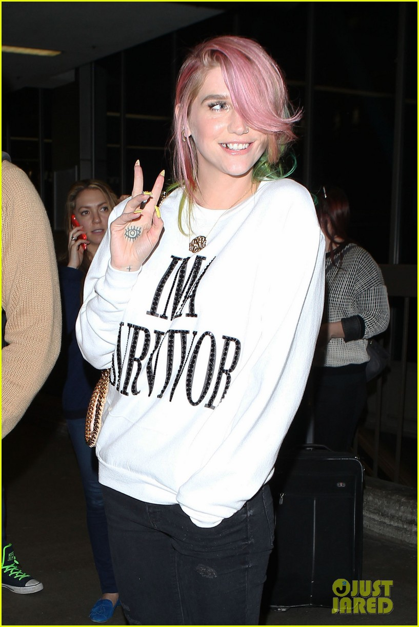 kesha steps out with rainbow hair rehab 063067583