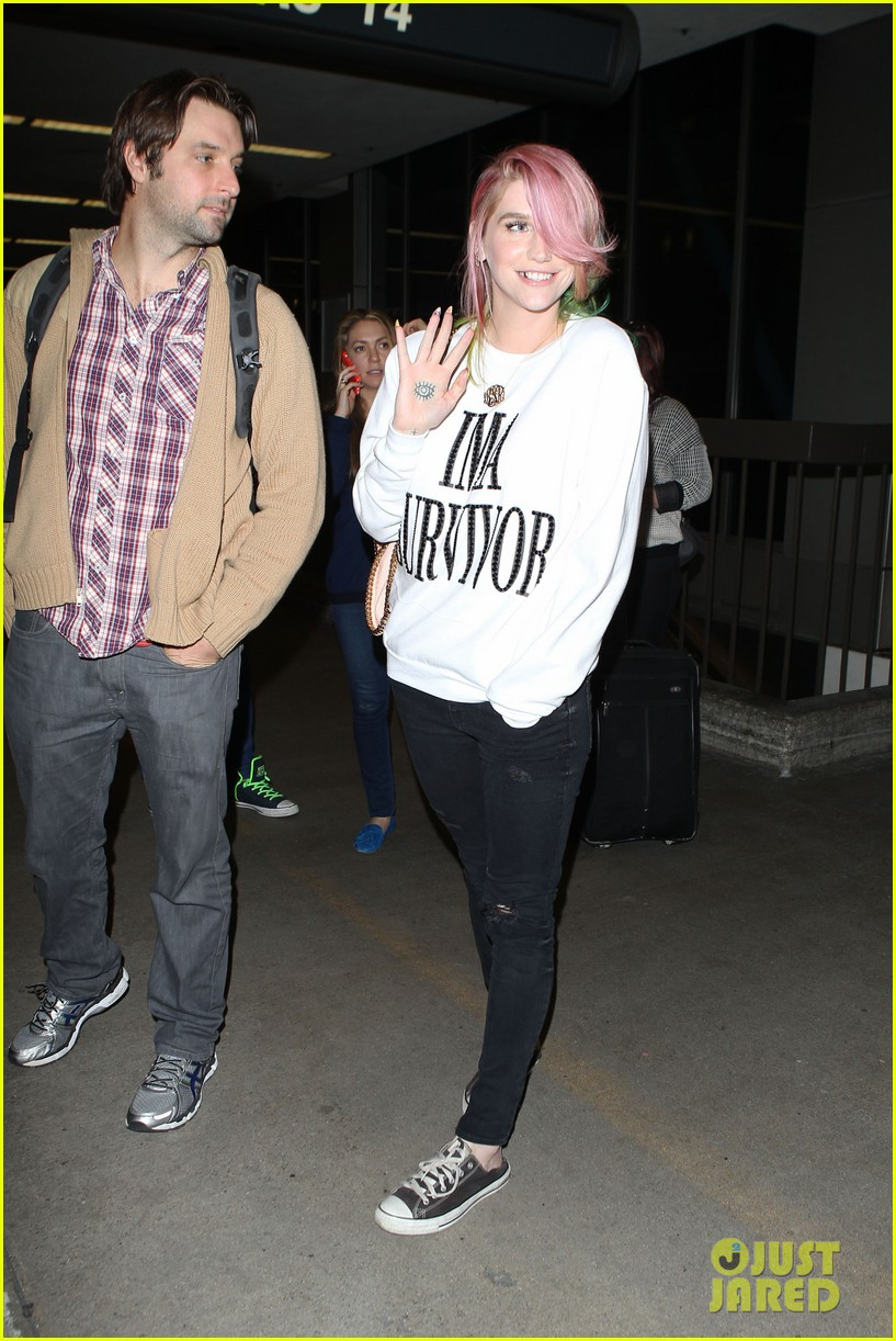 kesha steps out with rainbow hair rehab 093067586
