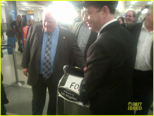 jimmy kimmel picks up toronto mayer rob ford at lax airport 04