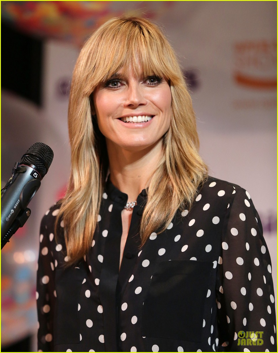 heidi klum is a polkadot sheer host at babies event 163066126