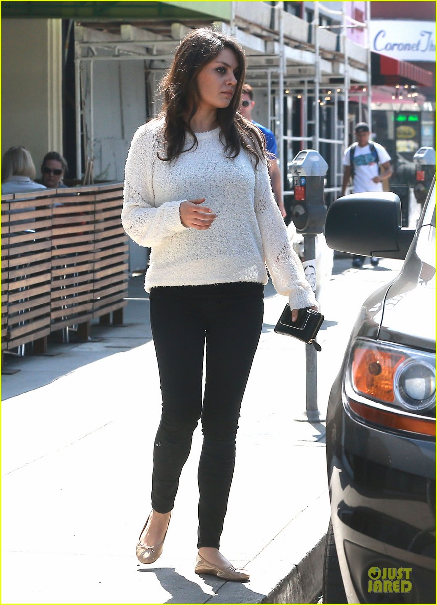 mila kunis brightens up the day with shopping 07