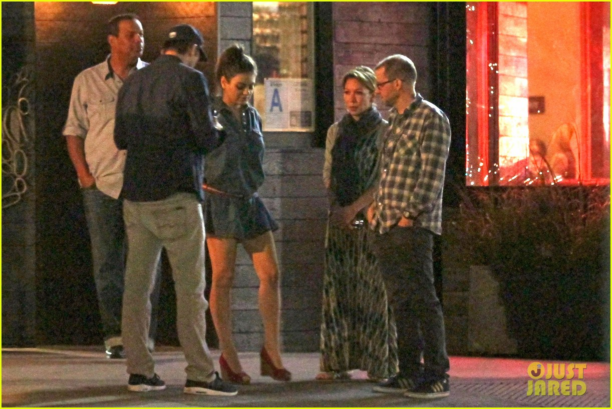 mila kunis ashton kutcher studio city double date 103071064