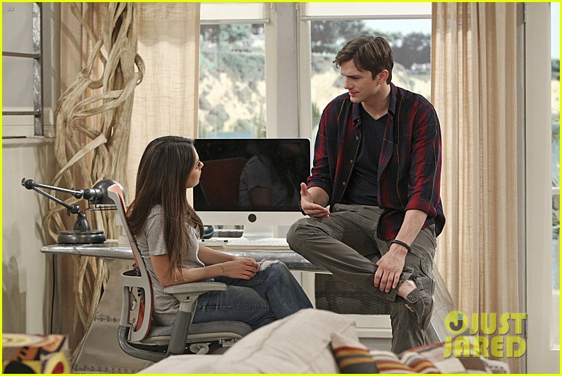 mila kunis ashton kutcher two half men stills 10