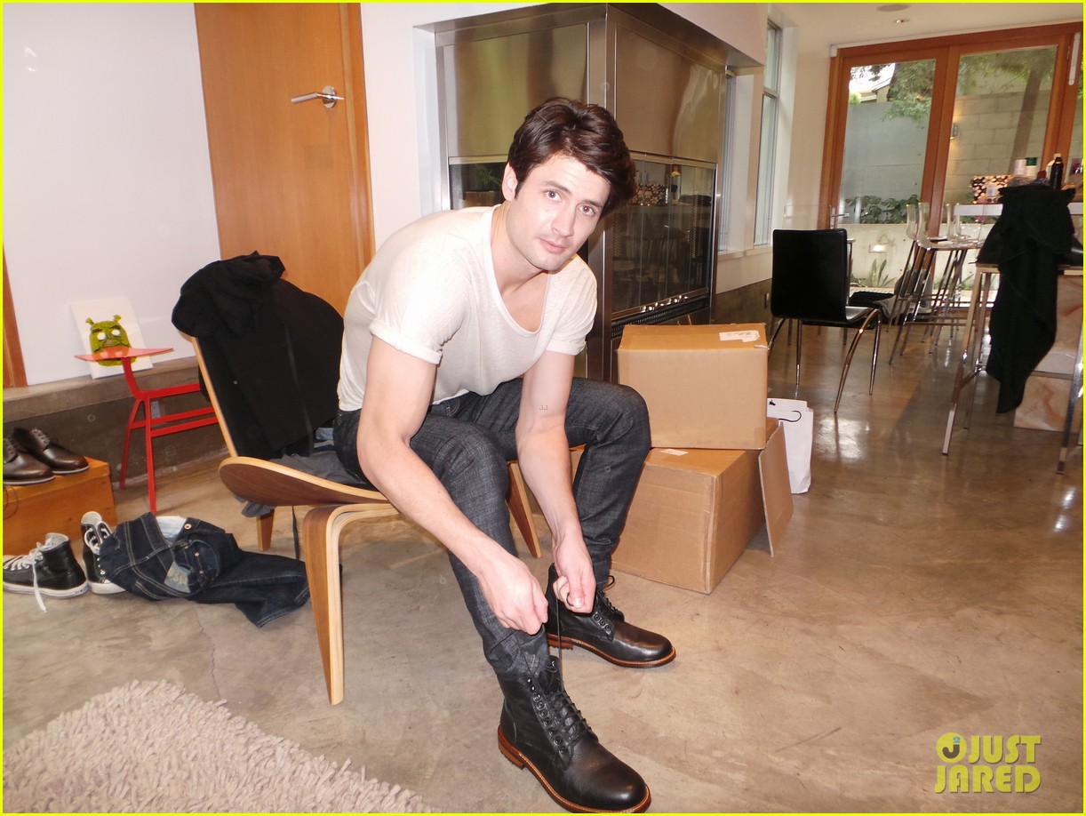 james lafferty jj spotlight behind the scenes pics exclusive 09