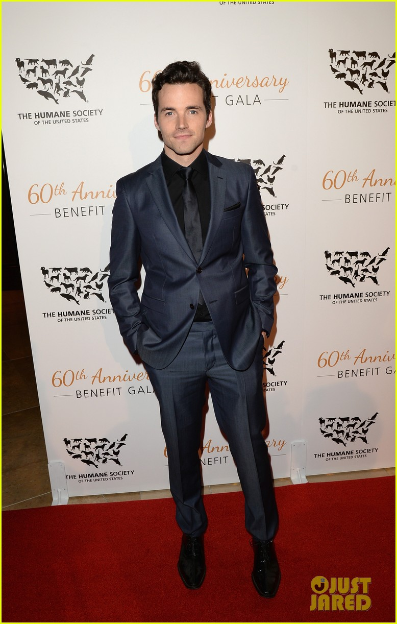 hearththrobes matt lanter ian harding step out for the humane society 03